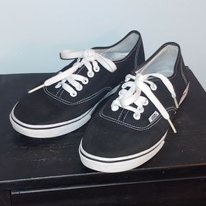 Sale❗Unisex Vans black & white skate shoes